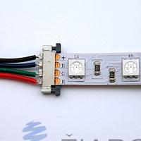 Vložte LED pásik do konektora
