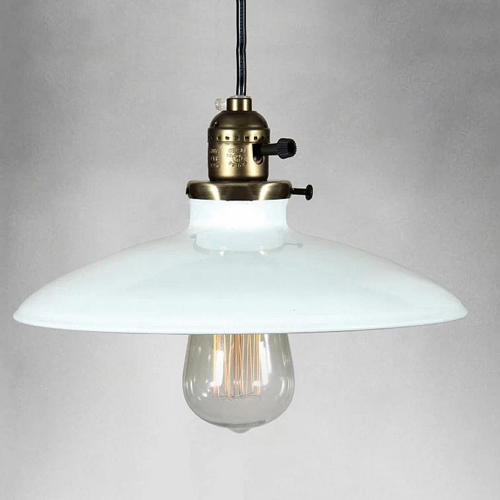 Historické klasické závesné svietidlo s lesklým tienidlom v bielej farbe1 Kolekcia priemyselných lesklých svietidiel