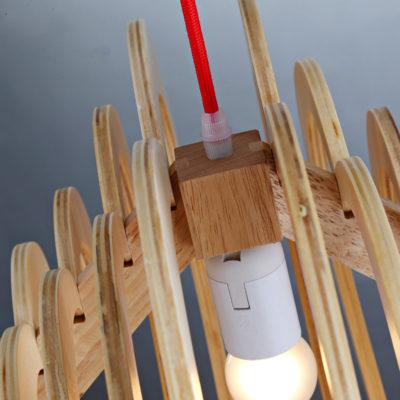 Závesné kreatívne drevené svietidlo - HEART5