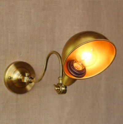 Starodávna nástenná lampa Bar v zlatej farbe (2)