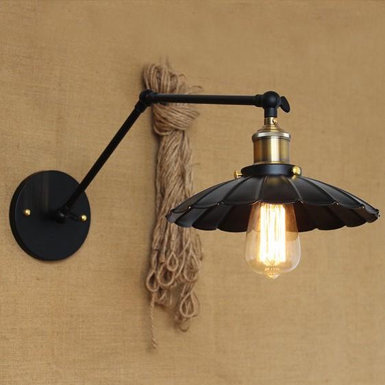 Starodávna nástenná lampa Chester s čiernym tienidlom (1)