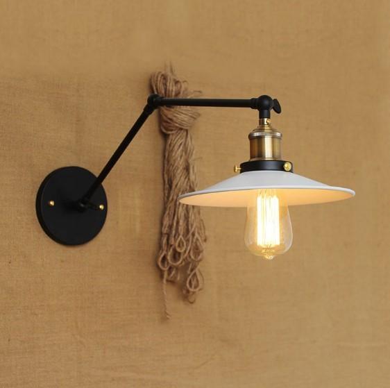 Starodávna nástenná lampa Somer s bielym tienidlom (1)