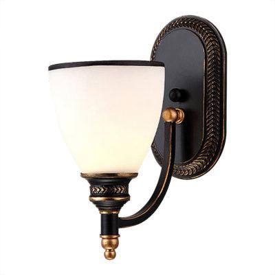 Moderné nástenné svietidlo v retro dizajne so skleneným tienidlom (2)