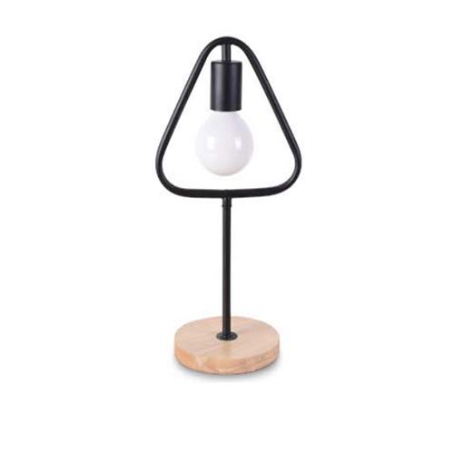 Stolová-lampa-v-tvare-trojuholníka-s-dreveným-podstavcom