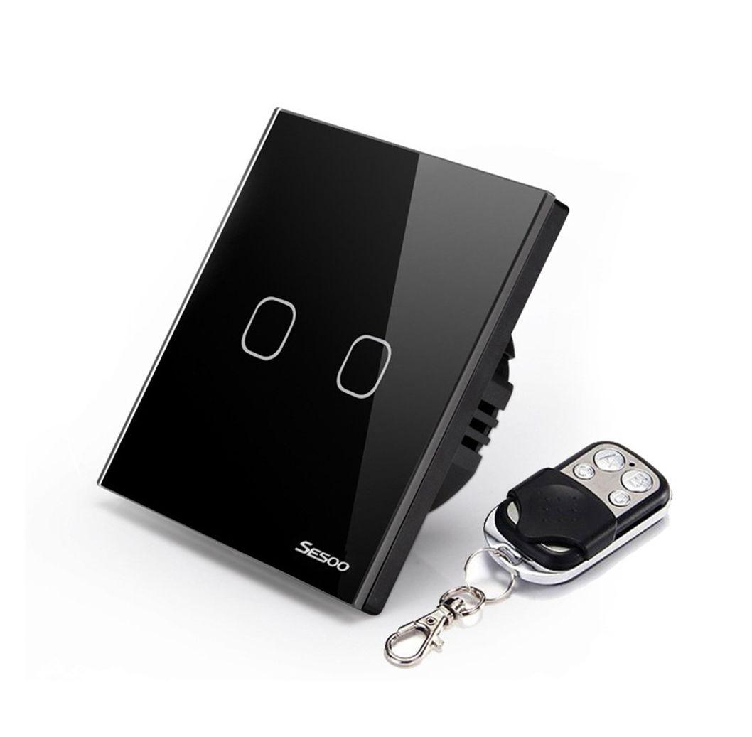 SESOO dotykový vypínač č.1 v čiernom prevedení s možnosťou diaľkového ovládania. Používa sa na ovládanie svetla pomocou jednoduchého dotyku (1)