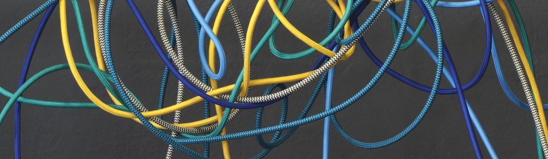 Tkaninové káble a vodiče. Sme veľmi hrdí na to, že ponúkame najširšiu škálu tkaninových káblov a vodičov na stránke www.ziarovky.eu