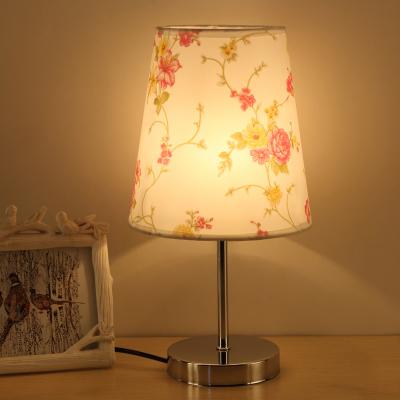 Moderná stolová lampa s tienidlom s ružami a stmievačom (2)