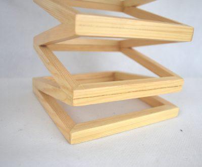 Závesné kreatívne drevené svietidlo - LAMPARA – 2.AKOSŤ – Odliepanie dreva (2)