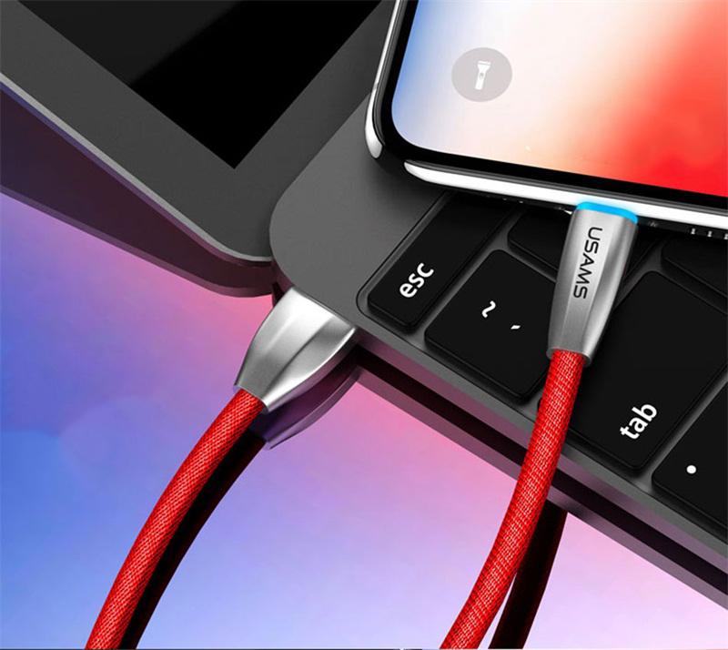 Lightning nabíjací kábel s LED osvetlením, 120cm, textilný v červenej farbe