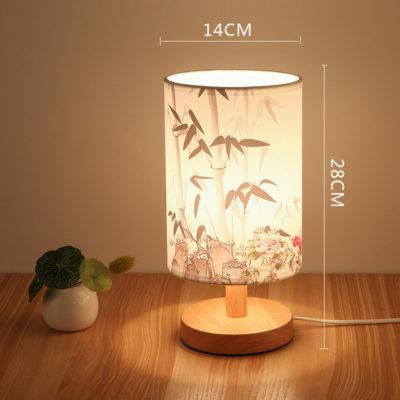 Stolová drevená lampa so spínačom a vzorom kvetov (1)