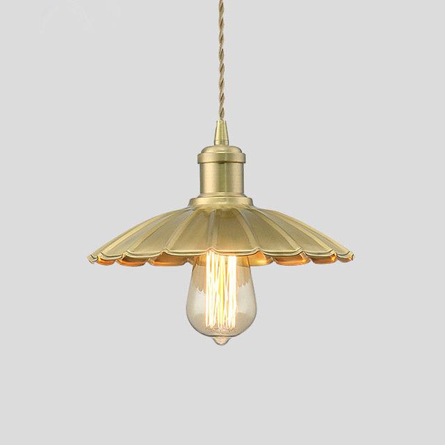 Závesné svietidlo pozostáva z originálneho tienidla s textilným skrúteným káblom, rozetou a štýlovou objímkou v jednotnom dizajne a farbe (3)